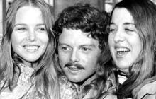 """""""San Francisco"""" singer Scott McKenzie dead at 73"""