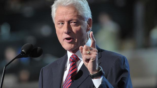 clinton-pointing-151309495.JPG