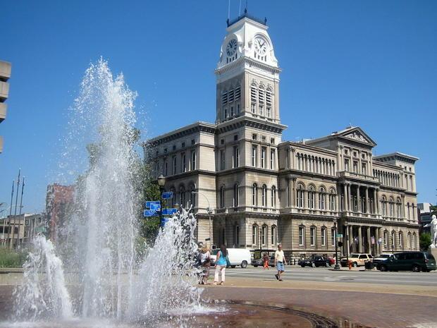 Louisvillecityhall.jpg