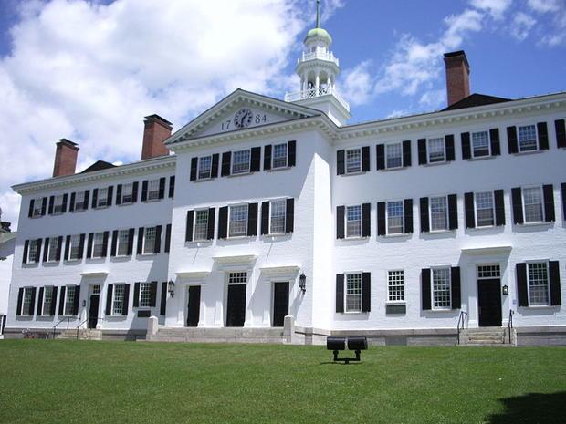 800px-Dartmouth_College_campus_2007-06-23_Dartmouth_Hall_02.jpg