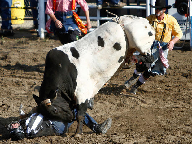 La  prison holds annual rodeo - Photo 1 - Pictures - CBS News