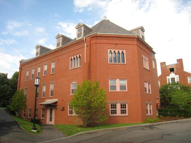 Packard_Hall_-_Tufts_University_-_IMG_0971.jpg