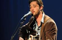 "Ryan Bingham performs ""Too Deep to Fill"""