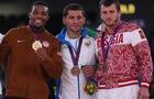 wrestlers_medal_150115898.jpg