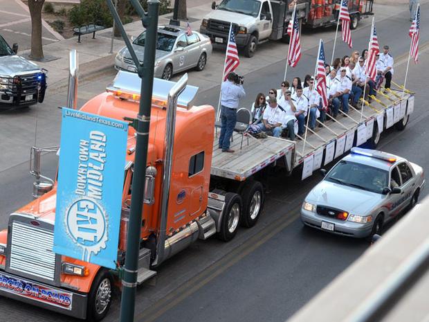 West Texas veterans parade crash - Photo 1 - Pictures - CBS News