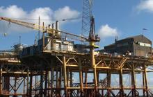Oil rig explosion off Louisiana coast