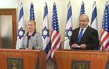 Clinton meets with Mideast leaders