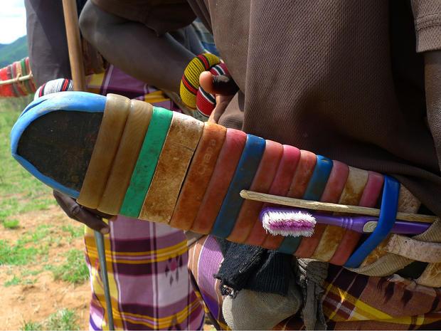 7b_Samburu_tribesmen.jpg
