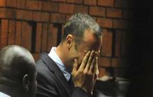 Pistorius breaks down in court