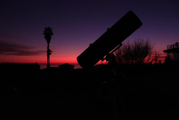 23_Telescope_w_Venus_Santa_Cruz_CA.jpg