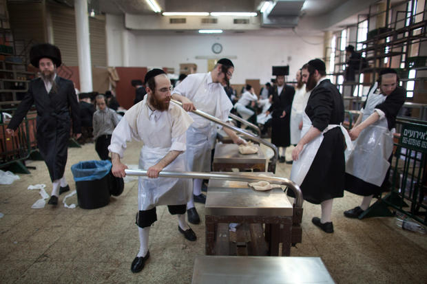 Israelis prepare for Passover