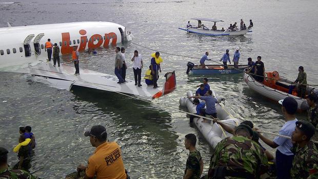 Plane crashes into sea in Bali