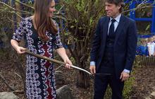 Pregnant Duchess Kate shovels for new tree