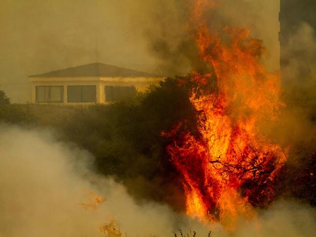 california_wildfire_AP818981066944_fullwidth.jpg