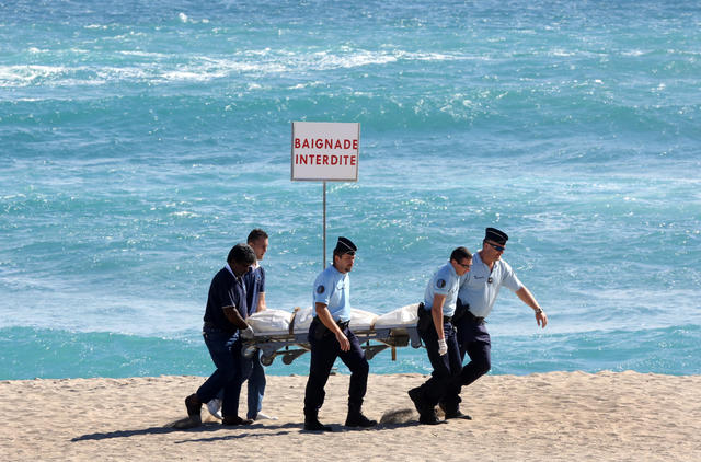 Shark Attacks Warning Graphic Images Cbs News