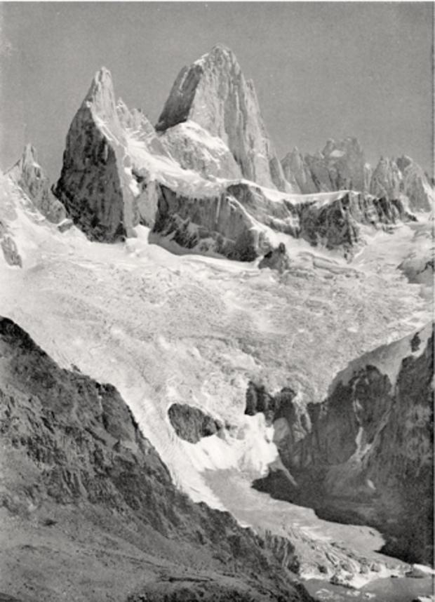 Monte_Fitz_Roy_and_Rio_Blanco,_A.M._de_Agostini,_1945.jpg