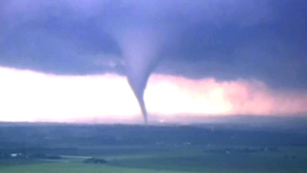 tornado03_1.jpg
