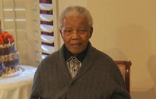 Nelson Mandela remains in hospital for lung infection