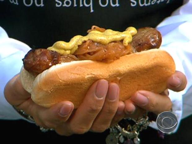 Flay_hotdogs_1.jpg