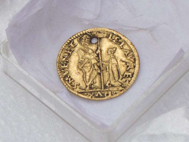 A gold mezzo-zecchino coin minted in Venice around 1501-1521
