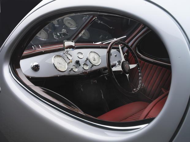 1938_Talbot_Lago_dash.jpg