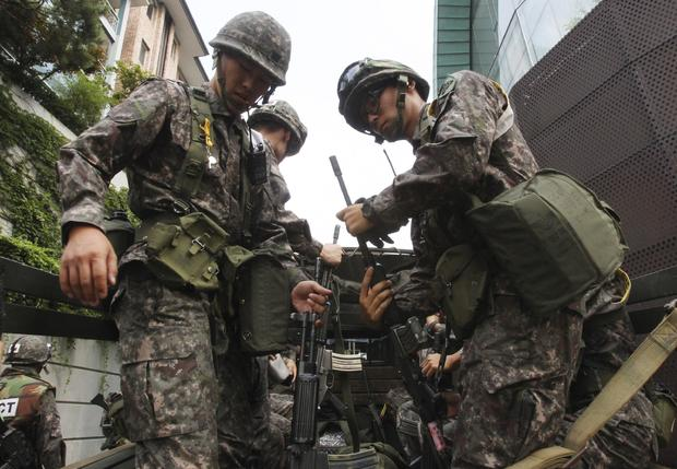 "South Korean army soldiers prepare to take part in South Korea-U.S. joint military exercise, ""Ulchi Focus Lens"""