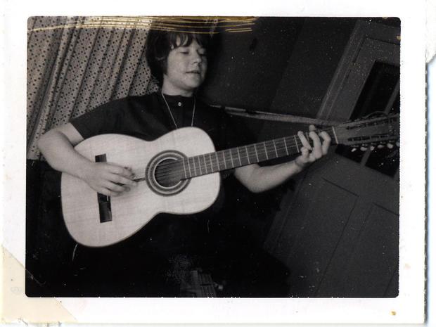 Joplin_playingguitar.jpg
