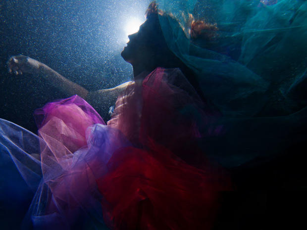 Underwater portraits of cancer survivors