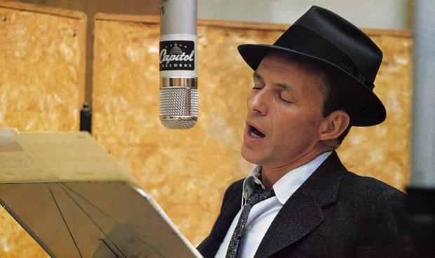 Frank Sinatra in studio