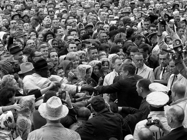 JFK_crowd.jpg