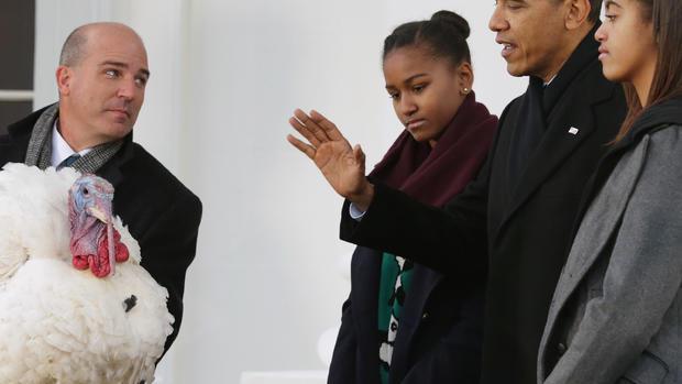 Obama pardons turkey