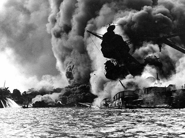 USS_Arizona_Pearl_Harbor_2786403.jpg