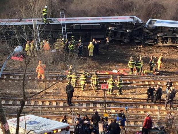 metro_north_derailment_2.jpg