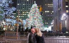 Rockefeller Christmas tree lights up