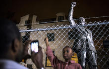 World reacts to Mandela's passing