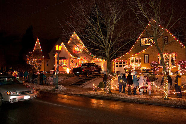 The 5 best U.S. neighborhoods for holiday lights - CBS News