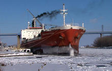 Early ice disrupts traffic on the Great Lakes