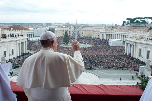 2013-12-25T131717Z_1374764389_GM1E9CP1MVJ01_RTRMADP_3_POPE-CHRISTMAS.JPG