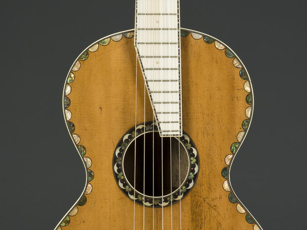Guitars_detail_1_F-00146.jpg