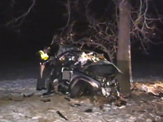 6 killed in 2 separate Ohio car crashes - CBS News