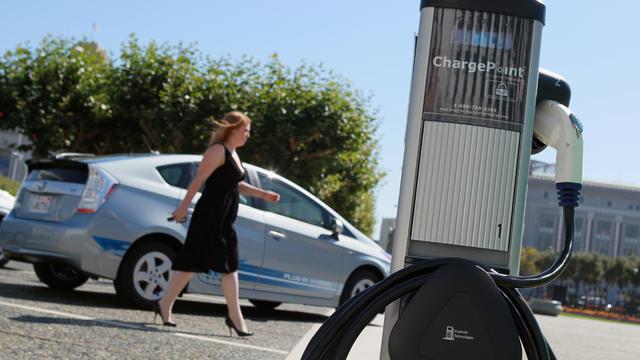 electric_vehicle_charge_103634177.jpg