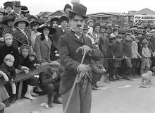 charlie-chaplin-kid-auto-races-at-venice-02.jpg