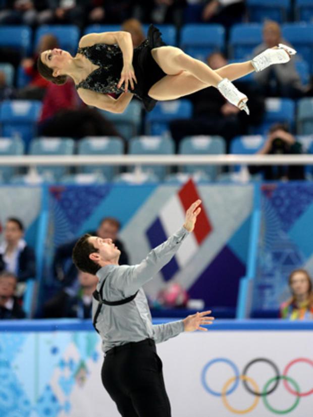 Simon Shnapir and Marissa Castelli
