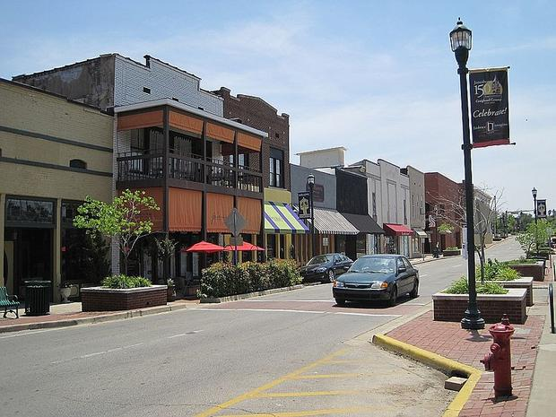 800px-downtown-jonesboro-ar-019.jpg