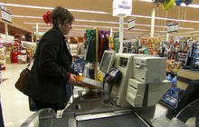 More American families struggle with higher food prices