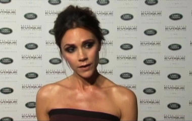 Victoria Beckham says she had breast implants removed