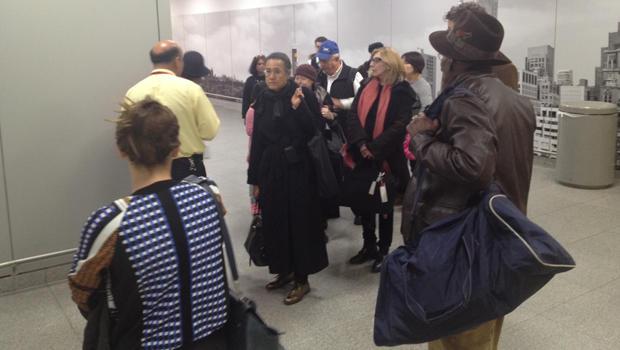 jfk-passengers-customs.jpg
