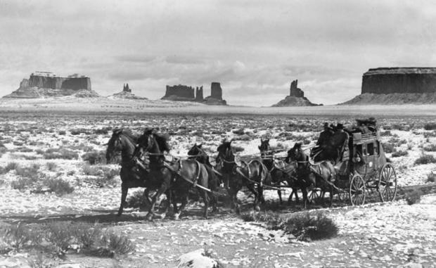 monument-valley-stagecoach-03.jpg