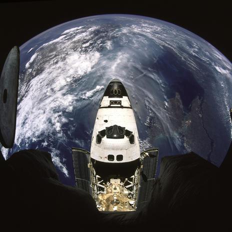 """NASA's real-life """"Gravity"""" pics"""