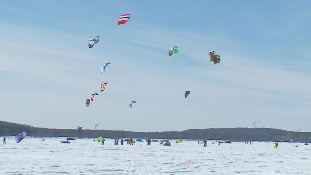 snowkites.jpg